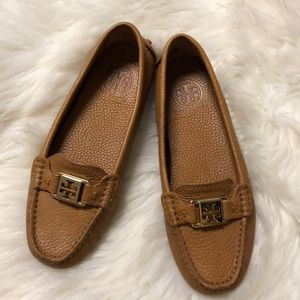 Shoes - Tory Burch brown leather flats ❤️
